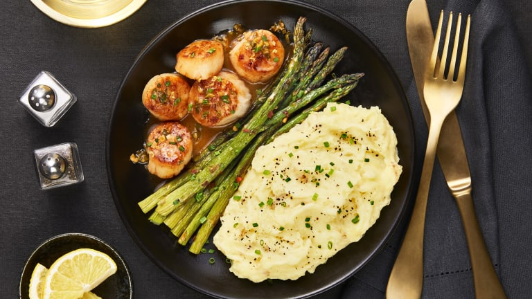 Pan-Seared Scallops & Lemon Butter Sauce