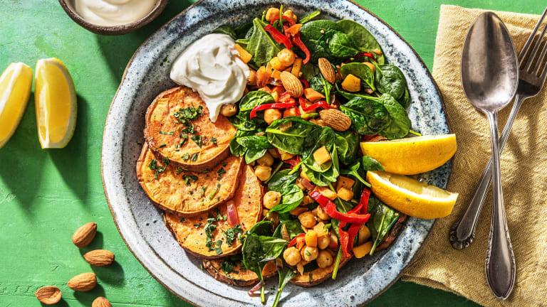 Warme maaltijdsalade met zoete aardappel