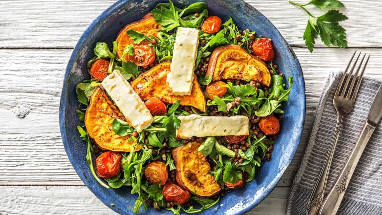 Linzensalade met feta en zoete aardappel