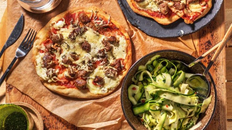 Pizza sur naan aux merguez, à la ricotta et à la sauge