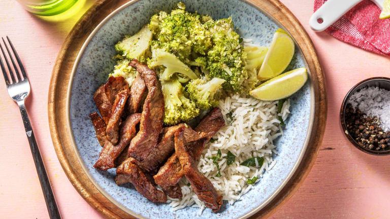 Zoete biefstukreepjes met sesam-broccoli