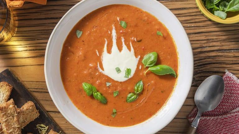 Soupe de tomates et de poivrons rôtis