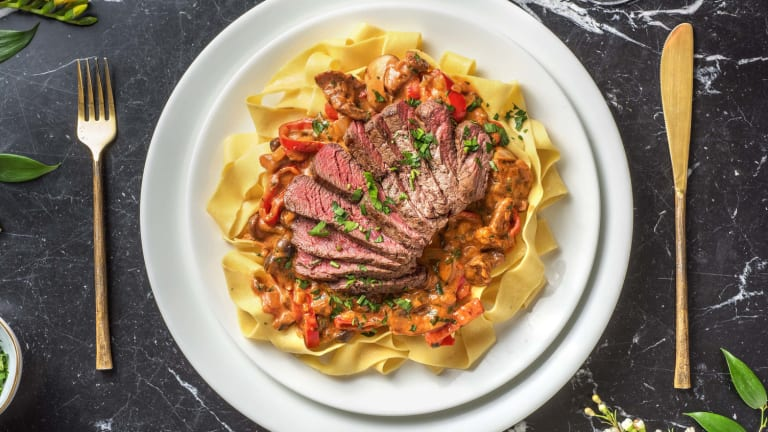 Steak met stroganoff-saus