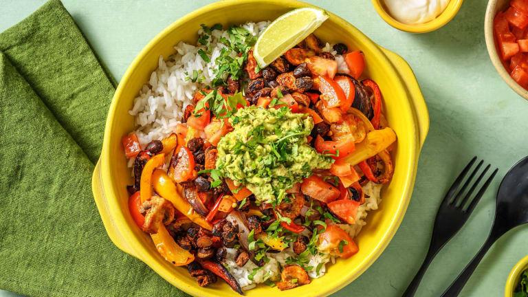 Mexikanische Bowl mit rauchigen Bohnen