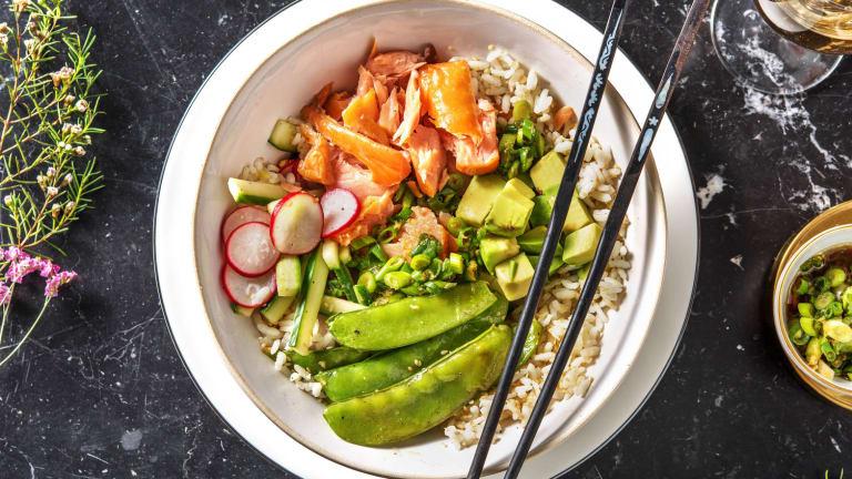 Sushi bowl au saumon fumé à chaud