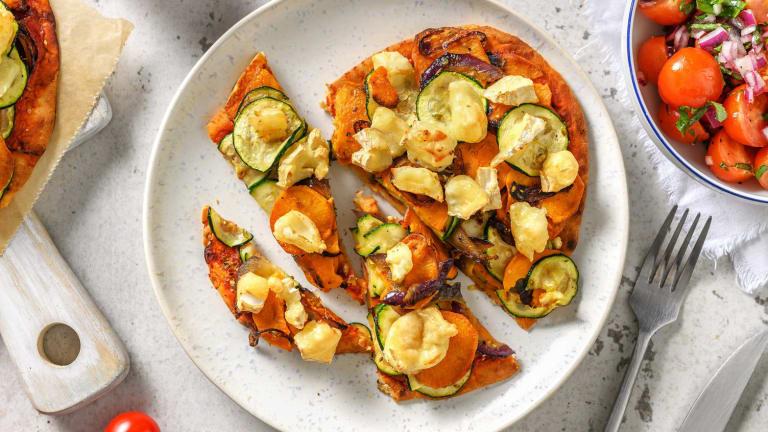 Naanpizza met geitenkaas en groenten