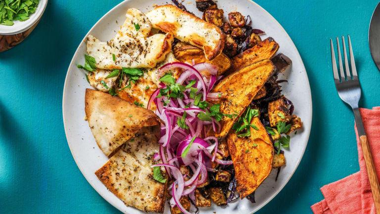 Winterse groente roast met halloumi en rodekool
