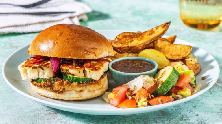 Halloumiburger mit Balsamico-Zwiebeln
