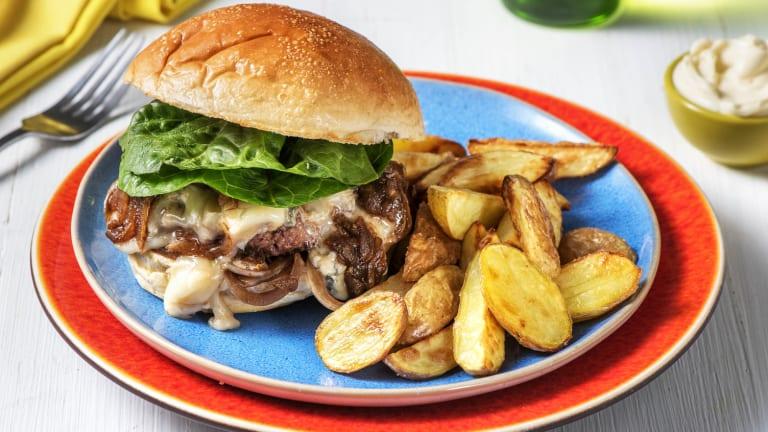 Burger mit Birnen-Zwiebel-Chutney