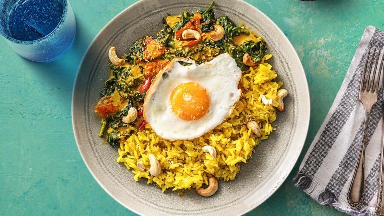 Curry d'épinards à la noix de coco et riz jaune