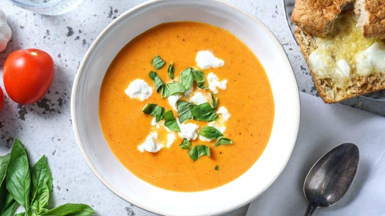 Soupe de carotte et tomate et mozzarella fondante