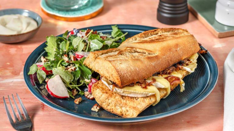 Camembert-Sandwich mit Feigen-Zwiebel-Relish