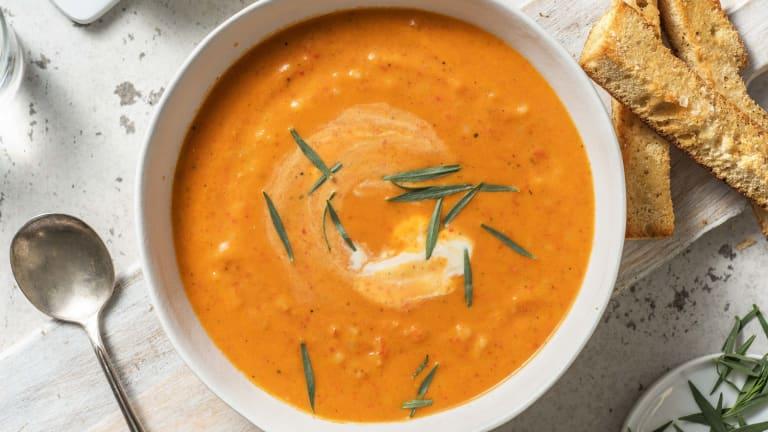 Soupe de tomate et poivron au couscous perlé