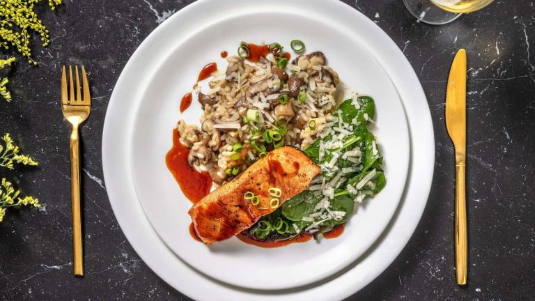 Pavé de saumon laqué et risotto aux champignons