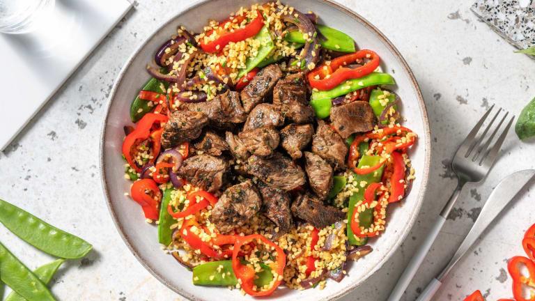 Salade de boulgour aux émincés de bœuf et pois mange-tout