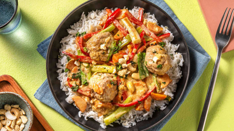 Milde curry met Thais gekruide kipgehaktballetjes