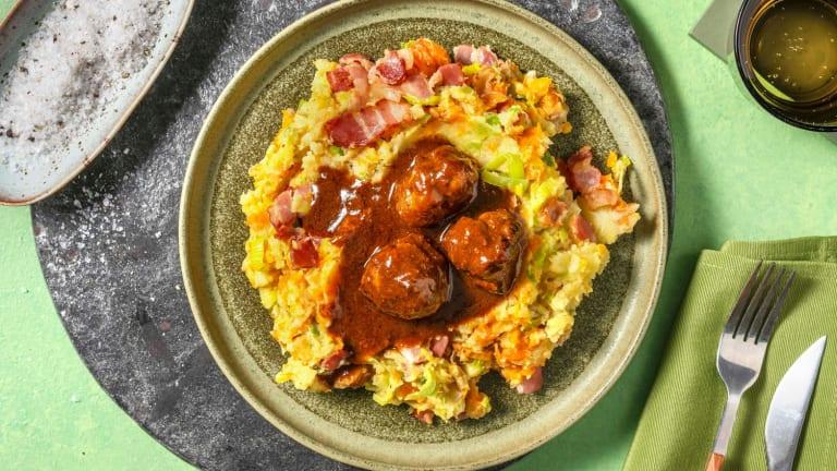 Stoemp de carotte et poireau avec des lardons et des boulettes de viande