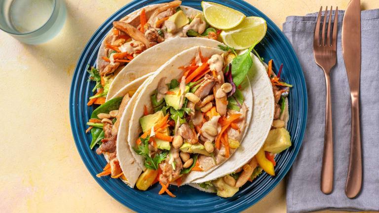 Asiatische Tacos mit Hähnchen & Avocado