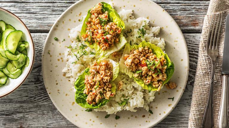 Aziatische rijstsalade met pittig kipgehakt