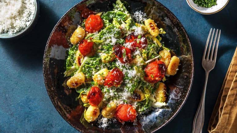 Caesar Salad mit gebratenen Gnocchi