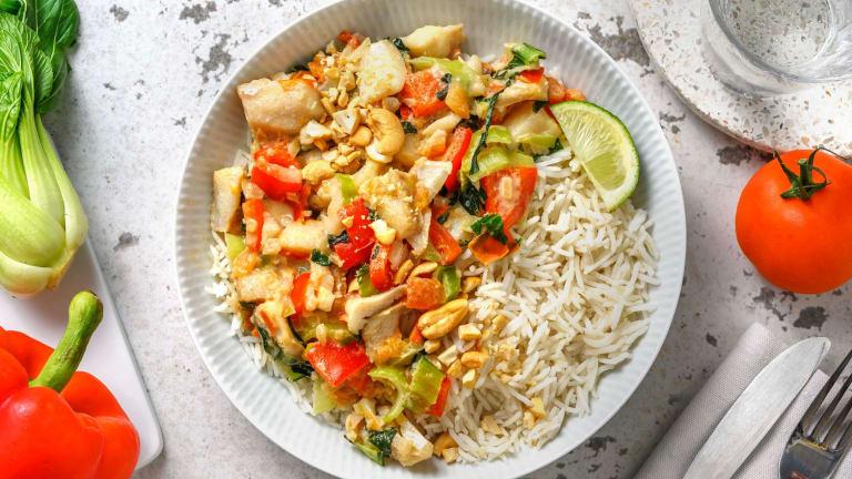 Curry vert de poisson relevé avec du riz