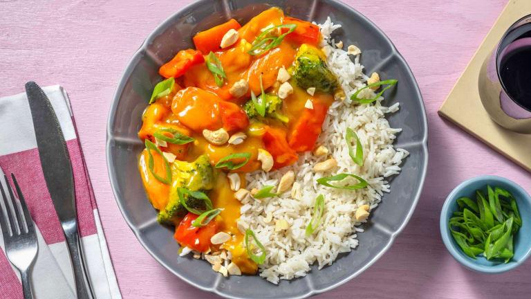 Fruchtiges Curry mit Mangosoße & buntem Gemüse