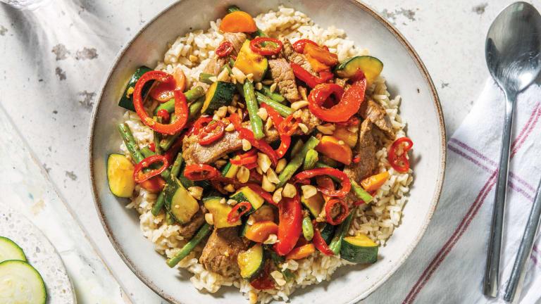 Garlic Beef & Veggie Stir-Fry with Brown Rice & Crushed Peanuts
