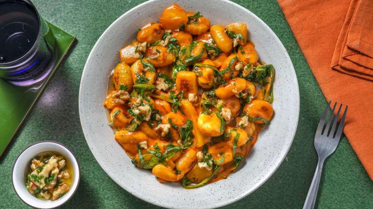 Vegane Gnocchi in Spinat-Tomaten-Soße