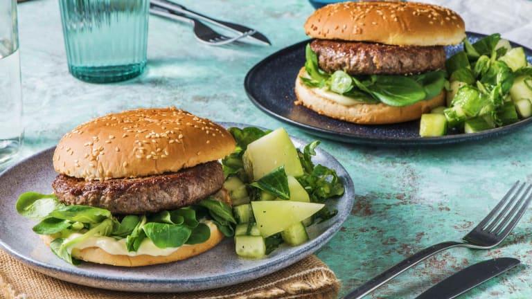 Hamburger et salade estivale de melon