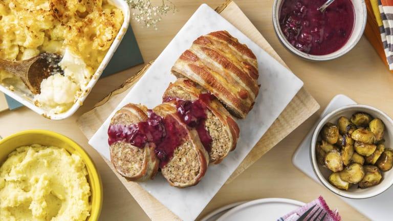 Luxe gehaktbrood met blauwebessensaus