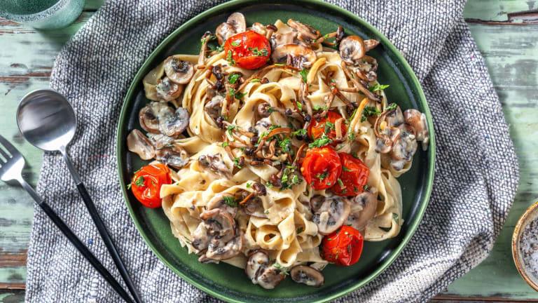 Pasta mit Buchenpilzen und Champignons