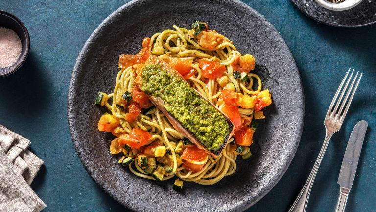 Pavé de saumon poêlé et spaghetti au pesto alla genovese