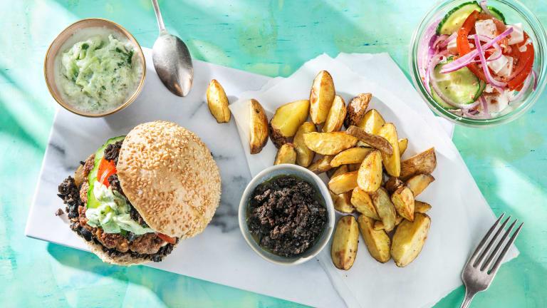Souvlaki-Burger mit Oliventapenade
