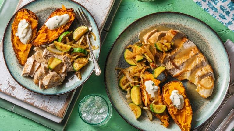 Turkey and Roasted Garlic Gravy