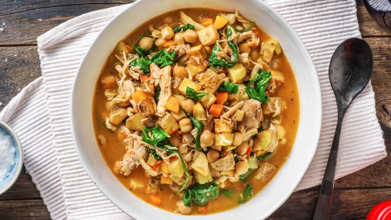 Tuscan Chicken and Chickpea Soup