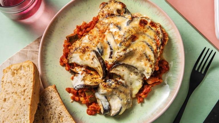 Vegetarische moussaka met knoflookbrood