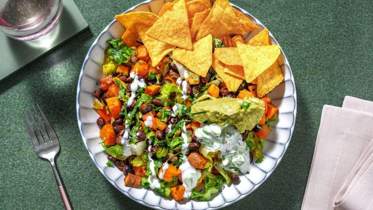 Vegetarische Nacho-Bowl mit Guacamole
