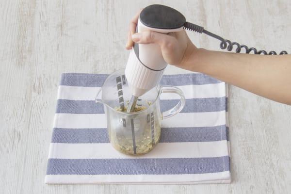 Marinade mit Mixer zubereiten