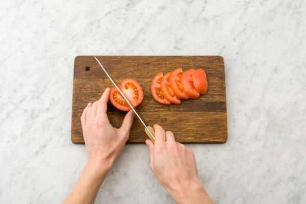 Tomate schneiden