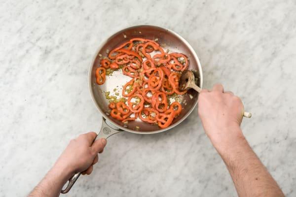 Bak de Turkse peper, ui en de oregano.
