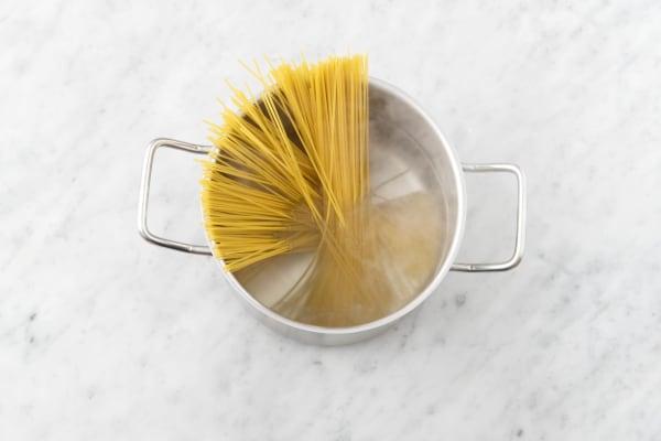spaghetti zubereiten