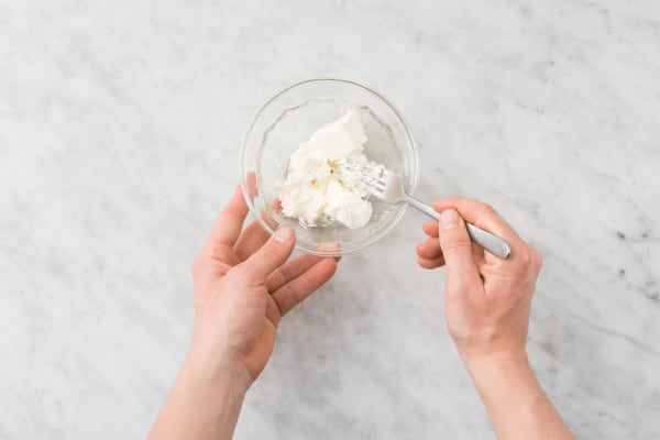 Joghurtdip vorbereiten