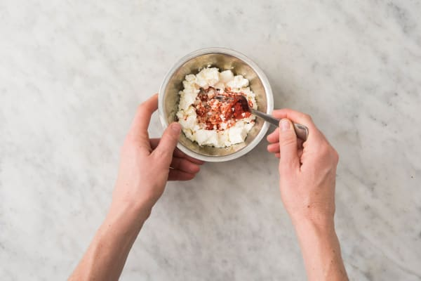 Für die Tomaten-Feta-Crème