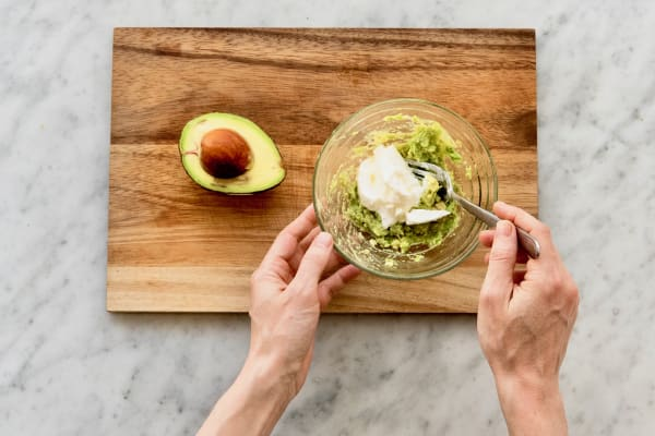 Make Avocado Crema
