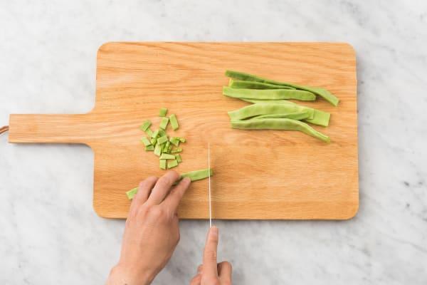 Couper les haricots plats