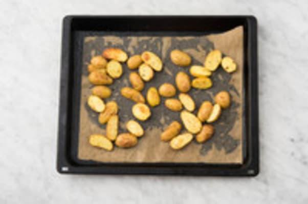 Aardappeltjes bakken