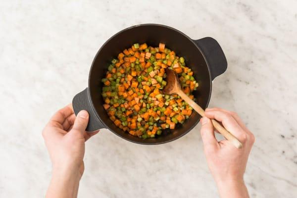 Bak de kruiden en groenten