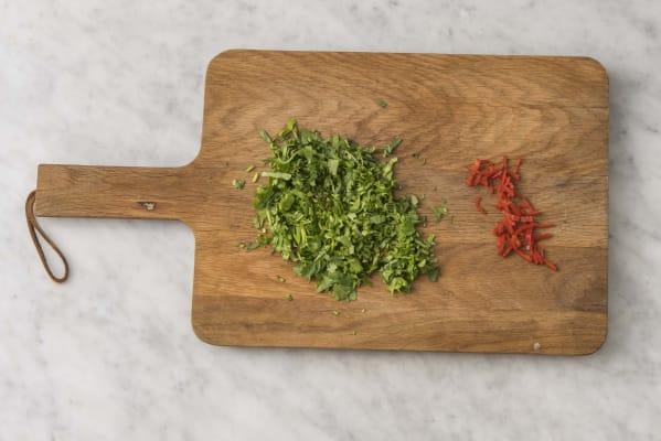Förbered koriander & chili