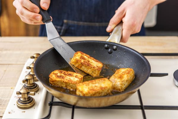 Fry the halloumi
