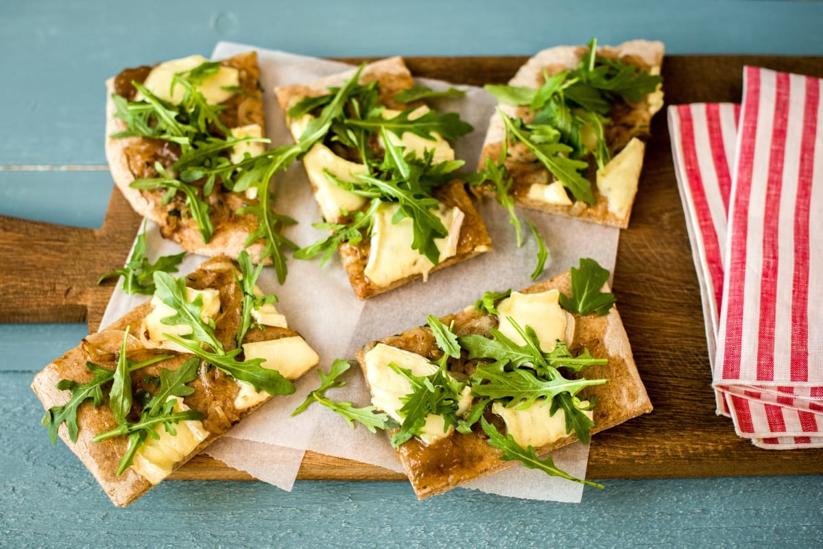 Fig & Brie Flatbread with Thyme-Caramelized Onions and Balsamic-Arugula Salad